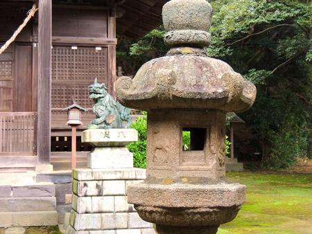 Shrine garden lantern