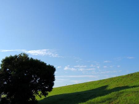 荒川銀行と秋の空 写真素材 - 89907146