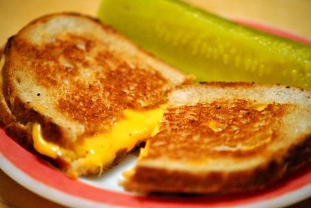 Classique sandwich au fromage grillé, un plat traditionnel pour le Carême ou à tout moment Banque d'images - 12394447