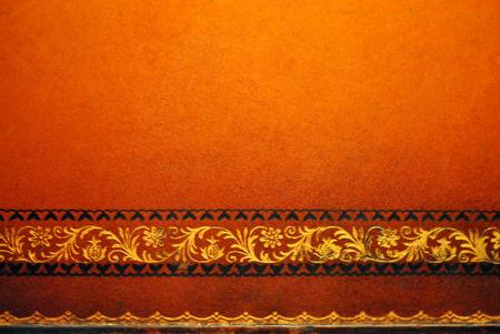 tooled leather: Distressed confine lavorato da tavolo in pelle Archivio Fotografico