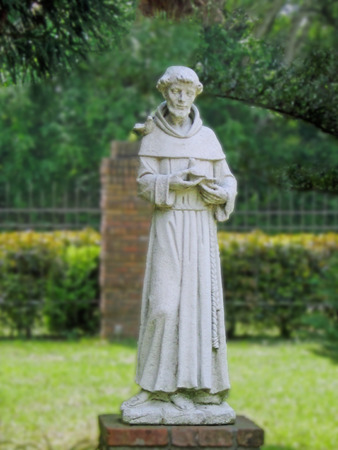 st  francis: Garden statue of St. Francis of Assisi Stock Photo