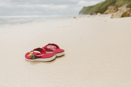 Infradito sulla spiaggia, Bali, Indonesia