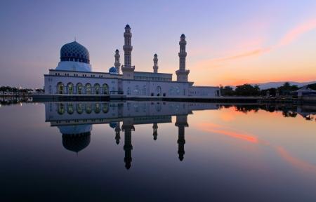 likas: Likas floating mosque at Sabah, Borneo, Malaysia