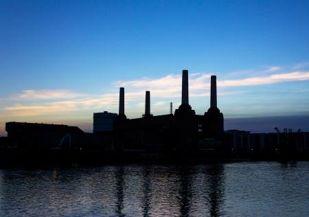 battersea: Battersea Power Station Silhouette Stock Photo