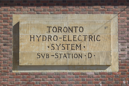 hydro electric: TORONTO, CANADA - MAY 31, 2014: A sign for Toronto Hydro Electric System in central Toronto Editorial