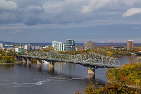 alexandra: OTTAWA, CANADA - 11TH OCTOBER 2014:  A view of Alexandra Bridge during the day in the fall Editorial
