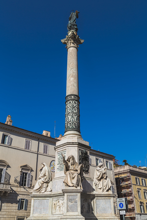 spagna: ROME, ITALY - 12TH MARCH 2015: Column of the Immaculate Conception monument at Piazza di Spagna. Editorial