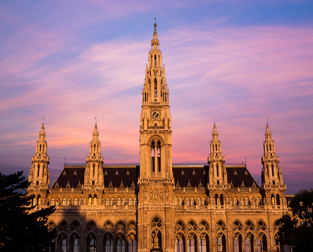 rathaus: The outside of the Rathaus in Vienna at Sunrise