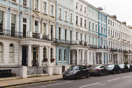 notting hill: LONDON, UK - 16TH JULY 2015: Common Terrace houses in Notting Hill during the day.