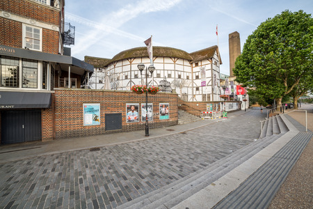 globe theatre: LONDON, UK - 6TH JULY 2016:  A view of the outside of Shakespeares Globe Theatre in the morning. Editorial
