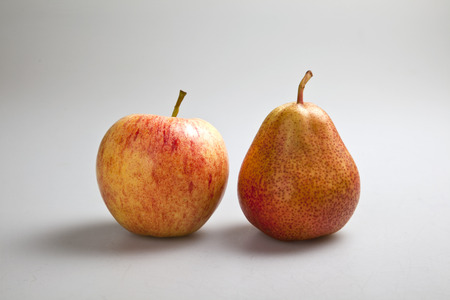 compare apples with pears photo