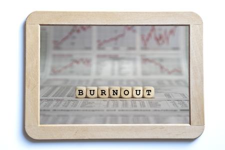psyche: palabra burnout construido con cubos de la carta Foto de archivo