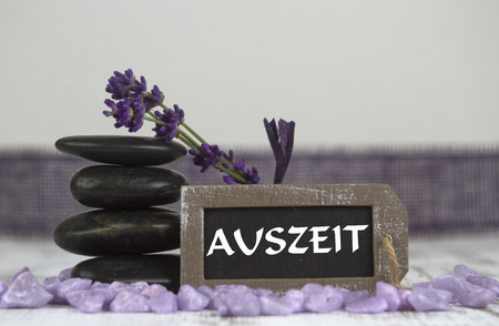 esot�risme: timeout with hot stones and lavender Banque d'images