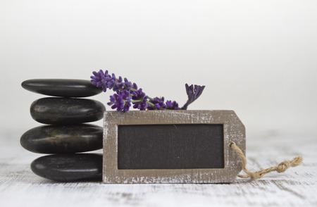 esot�risme: bien-�tre avec des pierres chaudes et de lavande