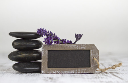 hot stones: wellbeing with hot stones and lavender