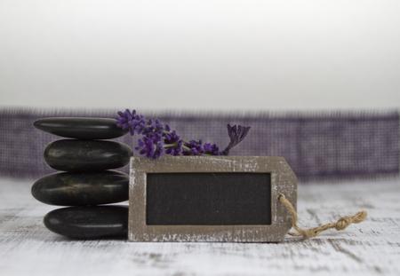 esoterismo: bienestar con piedras calientes y lavanda