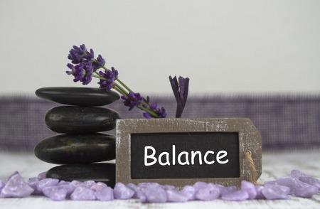 esoterismo: equilibrar con piedras calientes y lavanda