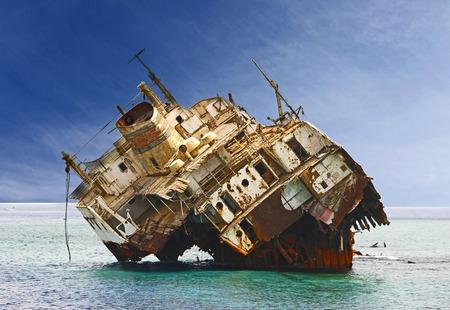 レッド海の難破船 写真素材