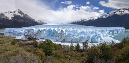 Perito Moreno Glacier, Parque Nacional Los Glaciares, Argentina   photo