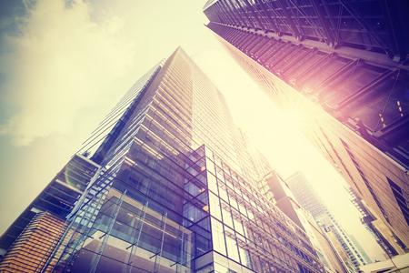 석양 맨해튼의 고층 빌딩의 빈티지 스타일 사진, 뉴욕시, 미국.