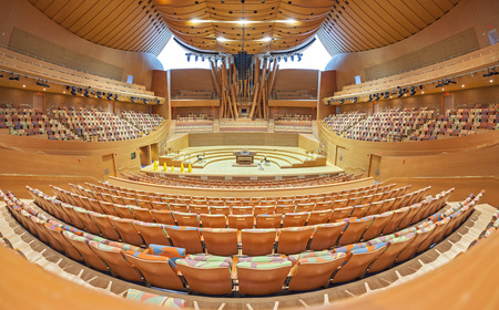 frank   gehry: Los Angeles, USA - August 21, 2015: Interior of the Walt Disney Concert Hall designed by Frank Gehry and opened in 2003. The main stage is made from Alaskan yellow cedar. Editorial