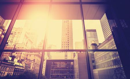 ヴィンテージには、太陽フレアの効果、ニューヨーク市、米国でマンハッタンの写真が様式化されました。