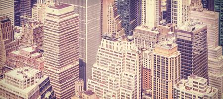 レトロ ビンテージ トーンのマンハッタン、ニューヨーク、アメリカ合衆国のパノラマ画像。
