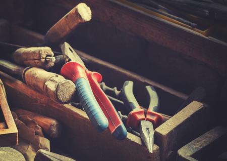 carpintero: estilizadas Herramientas de la vendimia retro viejo carpintero, profundidad de campo.