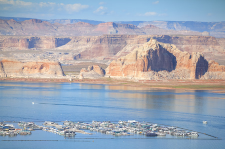 lake powell: Lake Powell marina, Arizona,  USA.