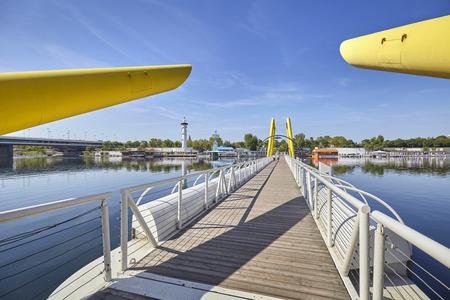 ponte: Ponte Cagrana pontoon bridge across New Danube in Vienna, Austria.