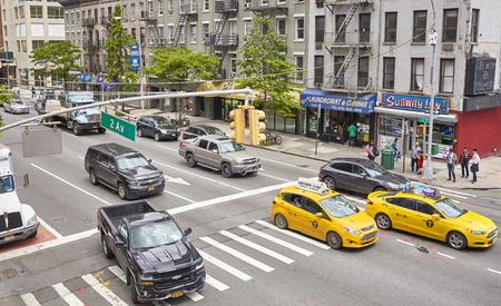 New York, USA - May 26, 2017: Traffic on the Second Avenue. 2 Av has carried one way traffic since June 4, 1951. 報道画像