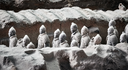 Xian, China - October 4, 2017: Terracotta Army warriors. Three pits contain more than 8000 soldiers, 130 chariots with 520 horses and 150 cavalry horses. No two figures are exactly alike. 新聞圖片