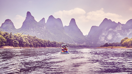 Color toned picture of The Li River (Li Jiang), China. Banque d'images