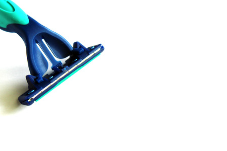 Detail of a new razor blade cartridge isolated on white background Stockfoto