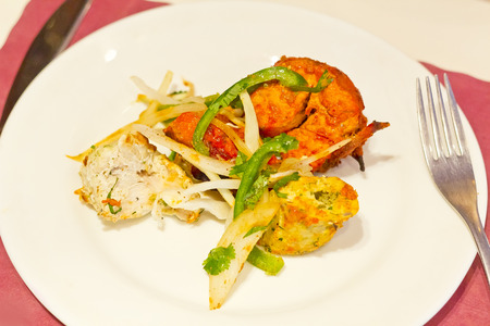 indian bean: Indian grilled chicken with sliced green peppers bean sprouts and onions