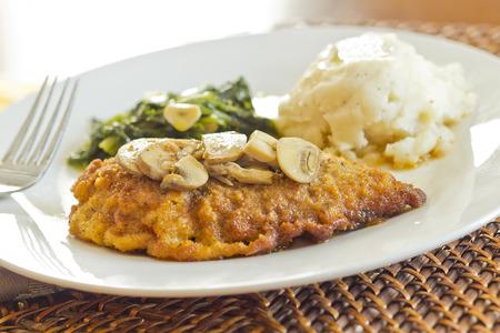 comida: Crispy marsala frango � milanesa com pur� de batatas e br�colis rabe com alho Imagens