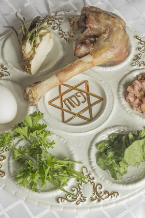 seder: Jewish seder plate. Six foods make up this passover meal.