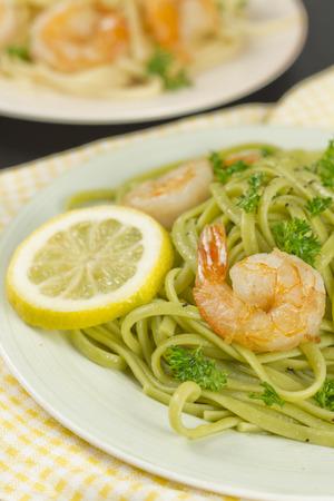 scampi: Shrimp scampi with linguine lemon and parsley Stock Photo