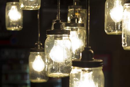 pote: Antiguos bombillas alba�il estilo tarro decorativos Foto de archivo