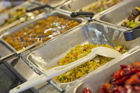 中国の食糧セルフ サービスのビュッフェ式ランチやディナー