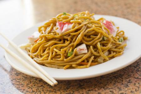 Heerlijk Chinees eten, Lobster Lo Mein roerbak