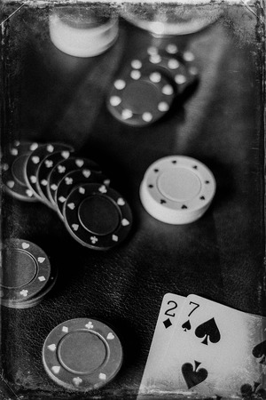 jeu de carte: Losing poker hand for this gambling addicts card game