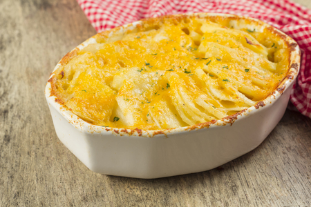 au: Baked cheesy potatoes au gratin scalloped potatoes Stock Photo