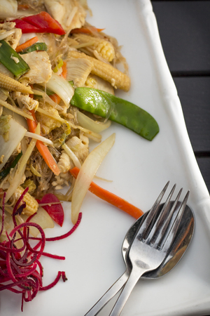 sen: Spicy Thai dinner dish Pad woon sen chicken with mixed vegetables