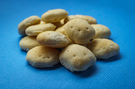 Salted oyster crackers for eating with hearty soups 版權商用圖片