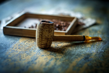 Tavolo in legno per pipa in pannocchia di mais per tabacco rustico per il tempo libero