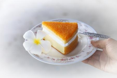 gold egg: Gold Egg Yolk Thread Cakes