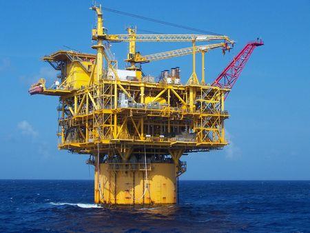 oil platform: Deepwater oil platform