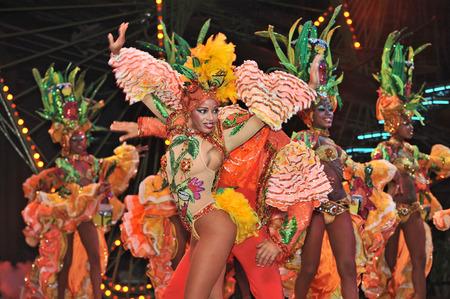 havana cuba: HAVANA, CUBA, MAY 7, 2009  Two astonishing dancer performing in Tropicana in Havana, Cuba, on May 7, 2009