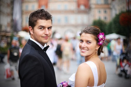 wedding portrait: Close up of a nice young wedding couple